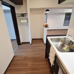 冷蔵庫置き場、可動棚キッチン